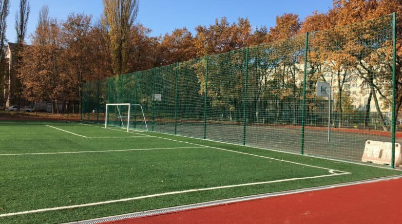 В Святошинском районе появился современный школьный спорткомплекс