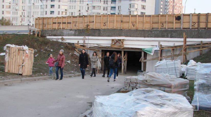 В подземном переходе развязки на Осокорках завершается ремонт