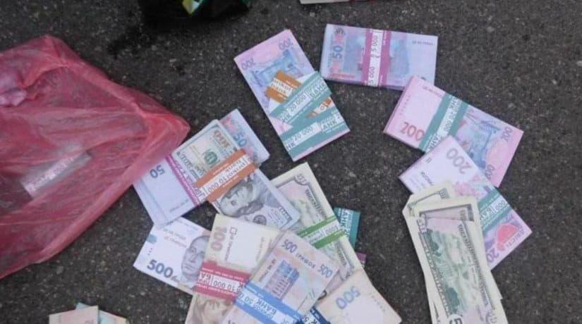 В Киеве полицейские задержали иностранцев, грабивших пенсионеров
