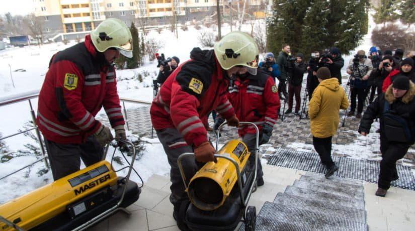 Учения спасателей: киевлян просят не паниковать при включении электросирен и передвижении техники