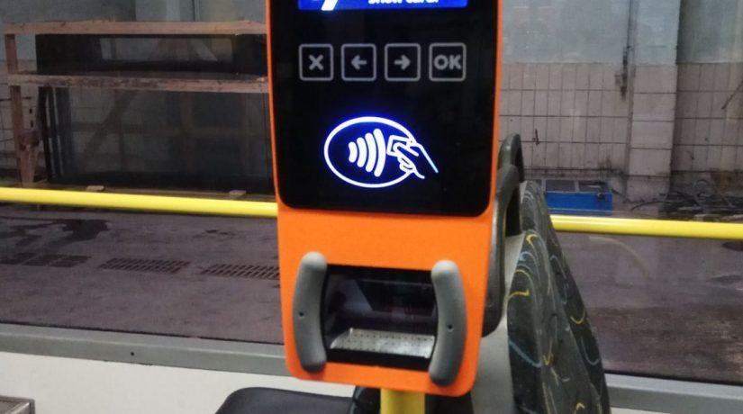 В ближайшее время в продаже появятся электронные карточки и билеты с QR-кодом для проезда в общественном транспорте