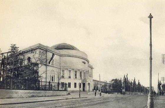 здание бывшей Центральной Рады