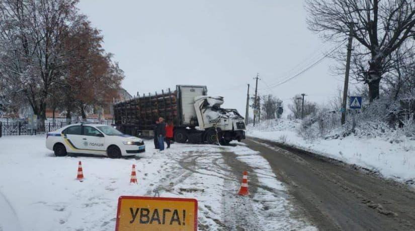 В Киевской области за сутки произошло 104 ДТП