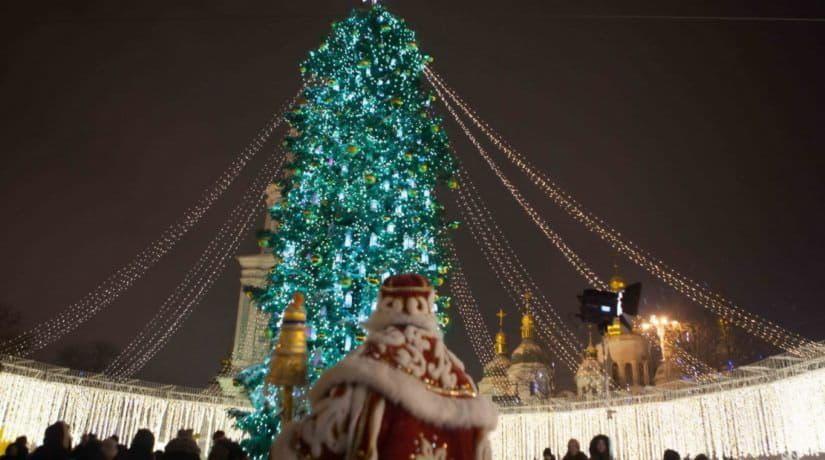19 декабря зажгут елки во всех районах столицы: программы празднований