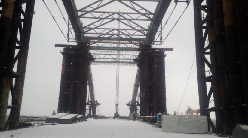 На Подольско-Воскресенском мосту смонтировали четырнадцатую вязь