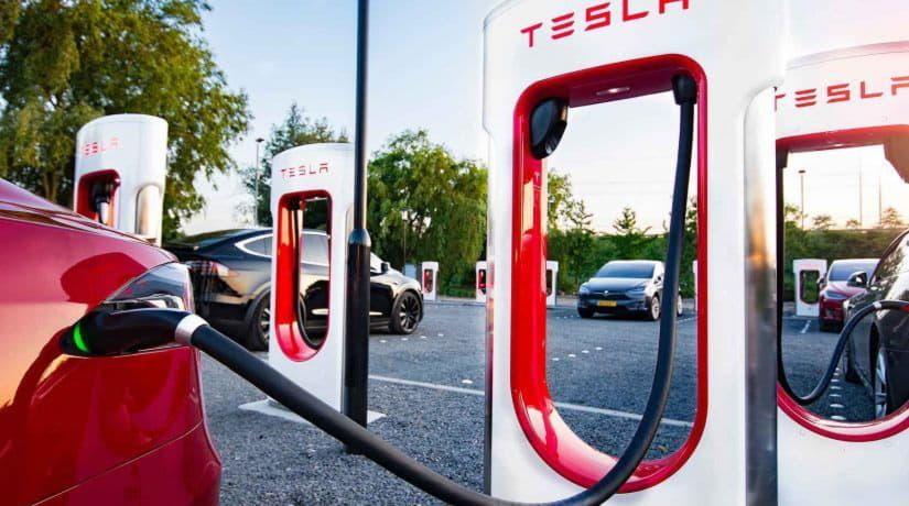 В 2019 году в Украине появятся станции зарядки электромобилей Tesla Supercharger