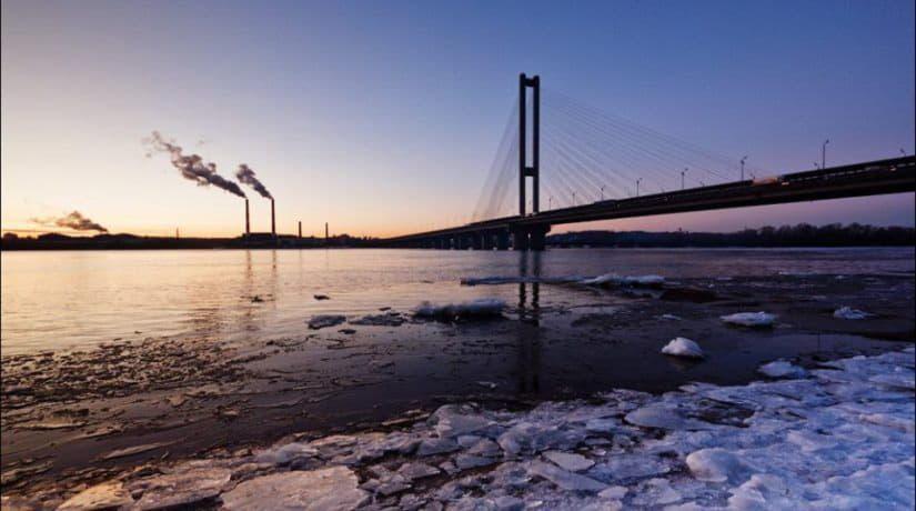 По Южному мосту частично ограничат движение транспорта