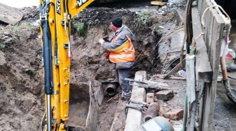 В Соломенском районе из-за аварии на магистральной сети без тепла и горячей воды остались 36 зданий