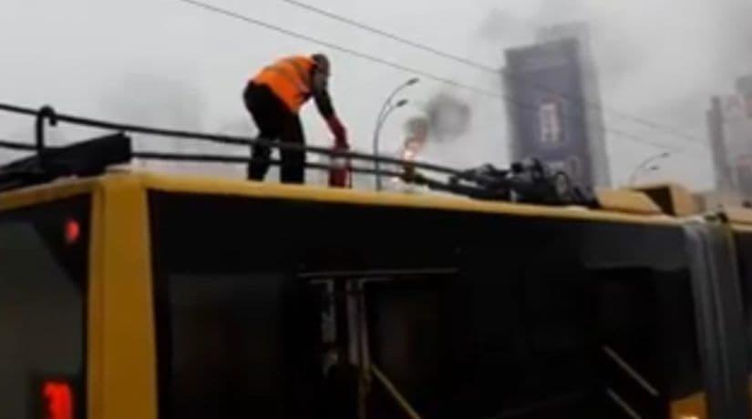 Троллейбус пожар