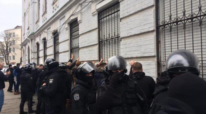 штурм полиции