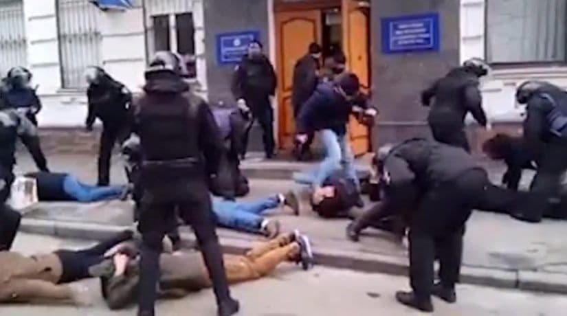полиция, митинг, задержание