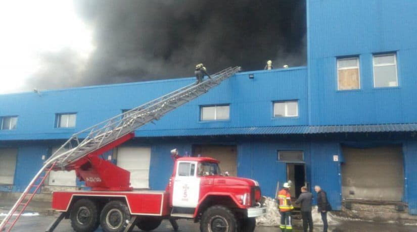 пожар, склады