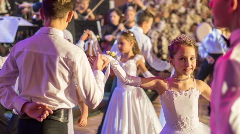На детском Венском балу выступят более 200 дебютантов