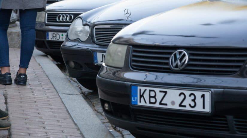 """Поліція штрафуватиме """"євробляхерів"""" на місці зупинки – розмір штрафу та умови вилучення авто"""
