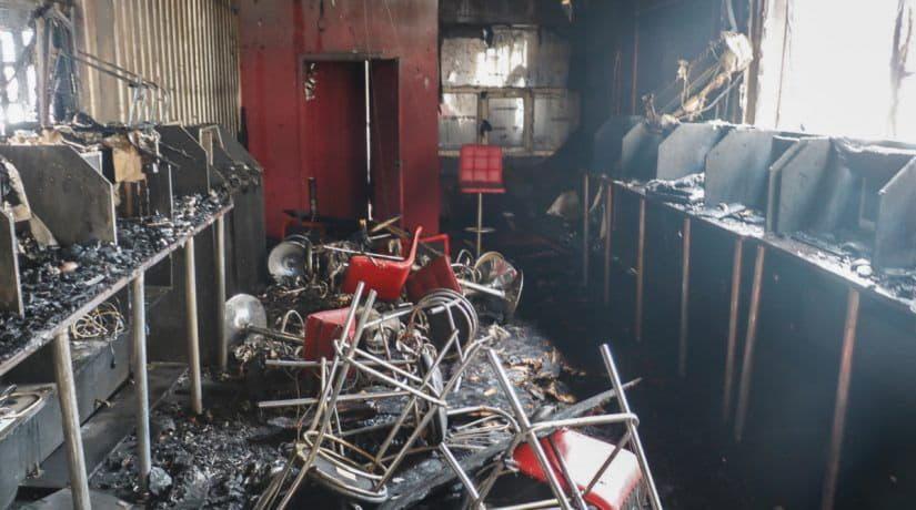 На проспекте Маяковского горели торговые павильоны