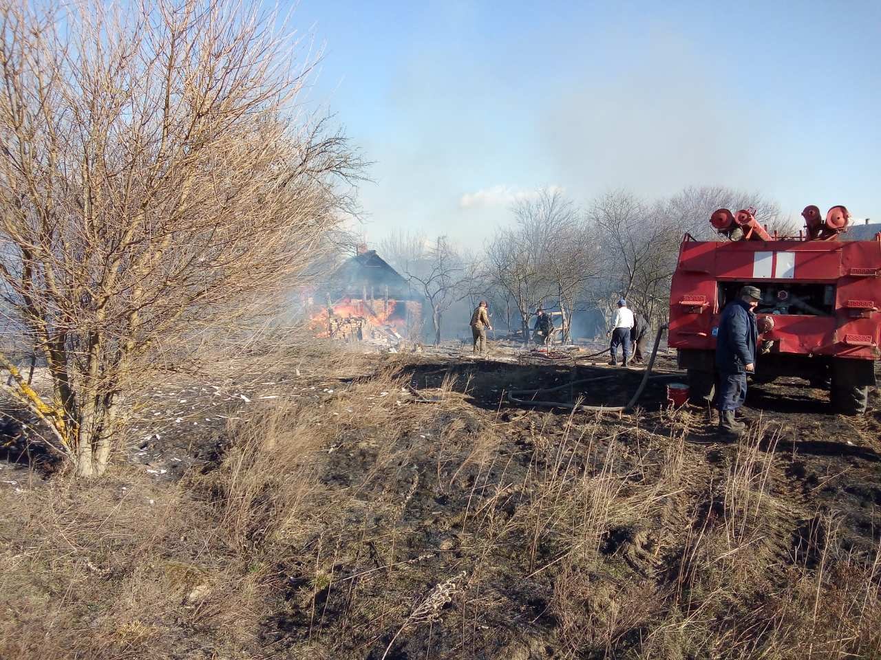 Сгорел дом из-за травы