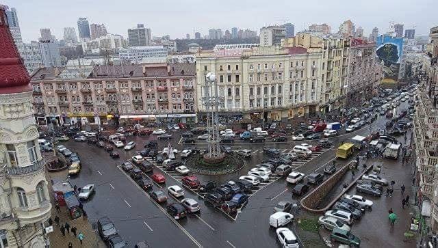 площадь Льва Толстого, делиниаторы