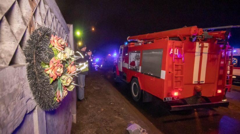В Киеве лоб в лоб столкнулись ZAZ и скорая, погибли три человека