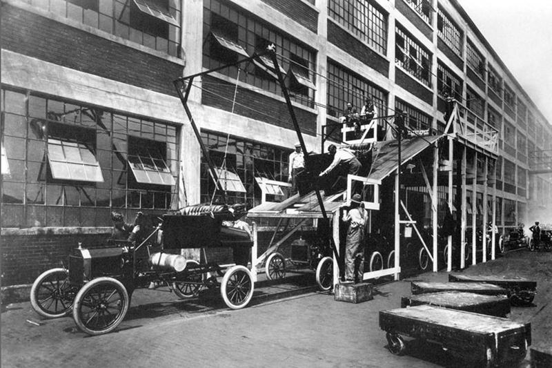 Конвейер на заводе Форд, 1913 год
