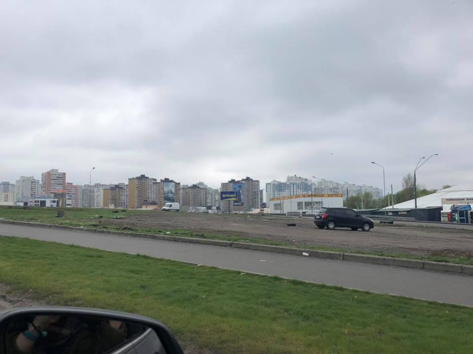 проспект Григоренко, парковка