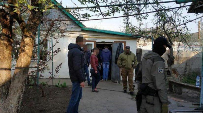 Семейная пара похитила и больше года насильно удерживала киевлянина