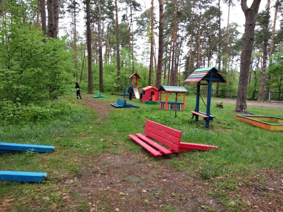Святошинское ЛПХ, детская площадка