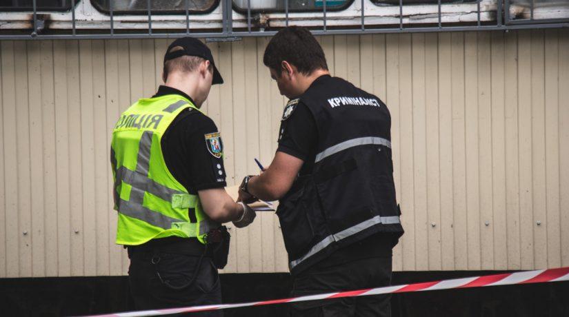 В Днепровском районе подросток сорвался с крыши девятиэтажного дома