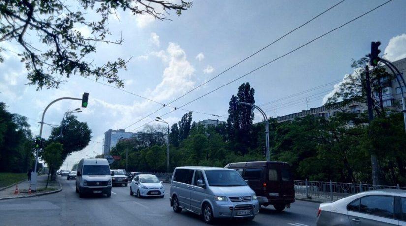 Голосеевский проспект, светофор