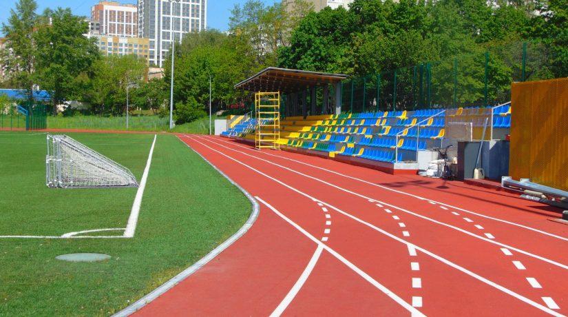На Виноградаре завершен ремонт стадиона школы №243