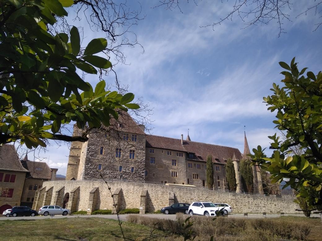 коломбье, замок