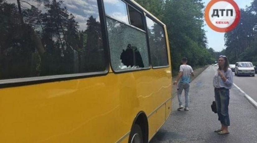 маршрутка, разбитое окно