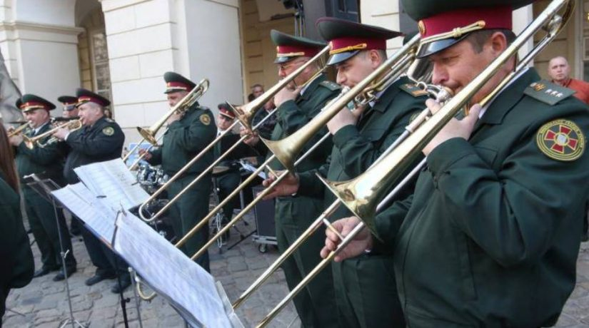 На Почтовой площади выступит оркестр Нацгвардии