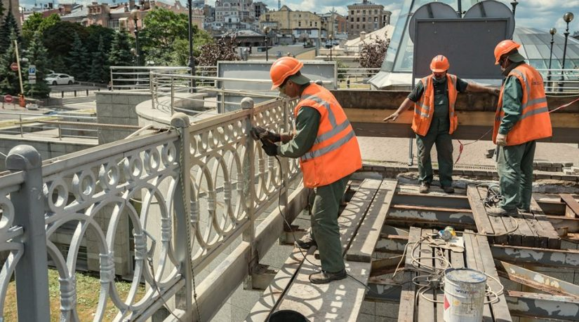 Аллея Героев Небесной Сотни, пешеходный мост, реконструкция