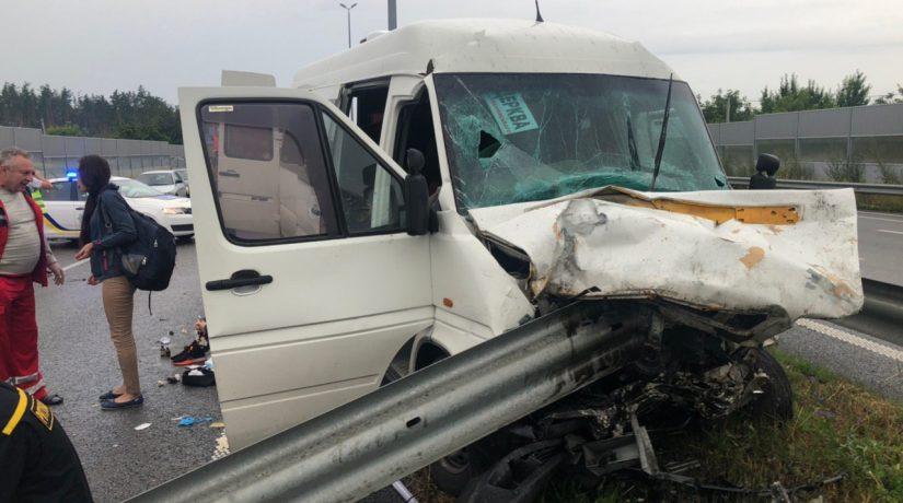 На трассе под Киевом произошло смертельное ДТП с участием маршрутки