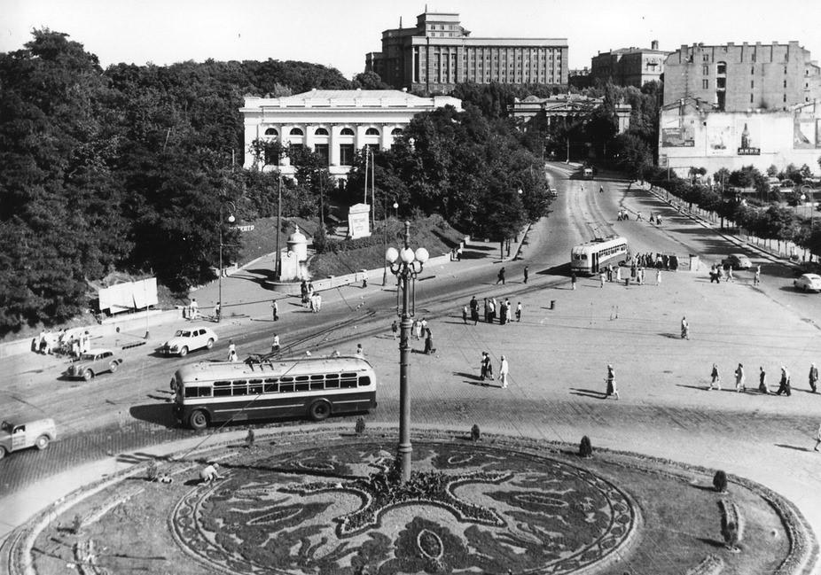 Европейская площадь 40 лет назад