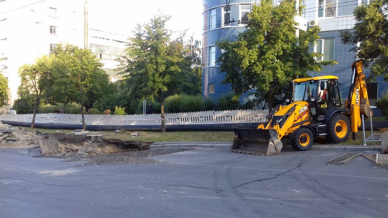 коллектор, ул. Мостицкая