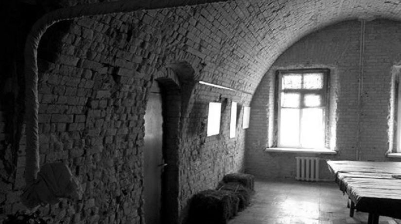 Тюремная камера в Косом Капонире, современный вид