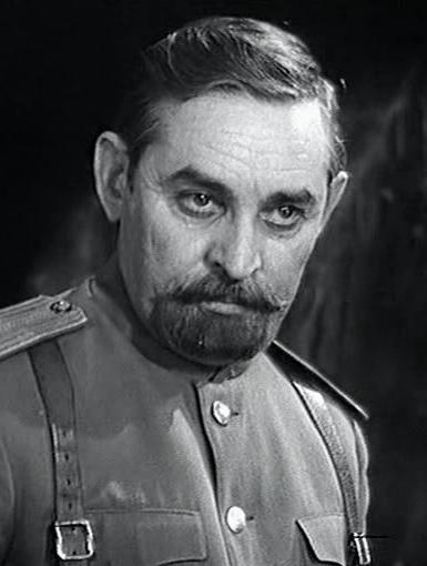 Актер В. Г. Козел в роли полковника Н. Г. Щукина, кадр из х/ф «Адъютант его превосходительства»