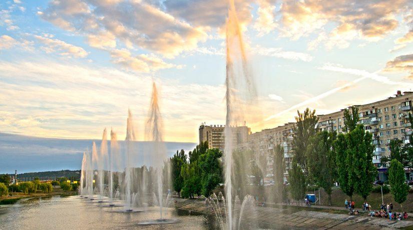 На Русановском канале возобновлена работа всех фонтанов