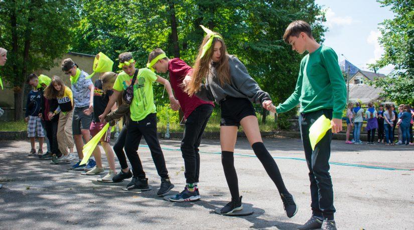 В Пуще-Водице будет работать бесплатный лагерь для подростков