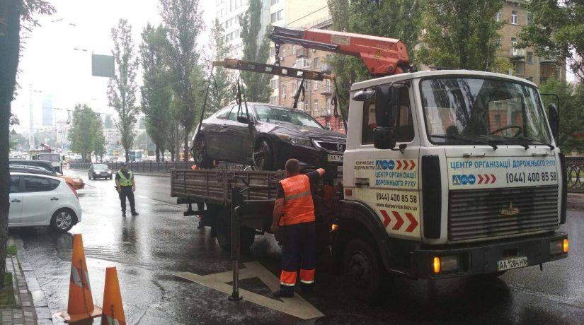 За неделю в Киеве эвакуировали на штрафплощадку 48 автомобилей