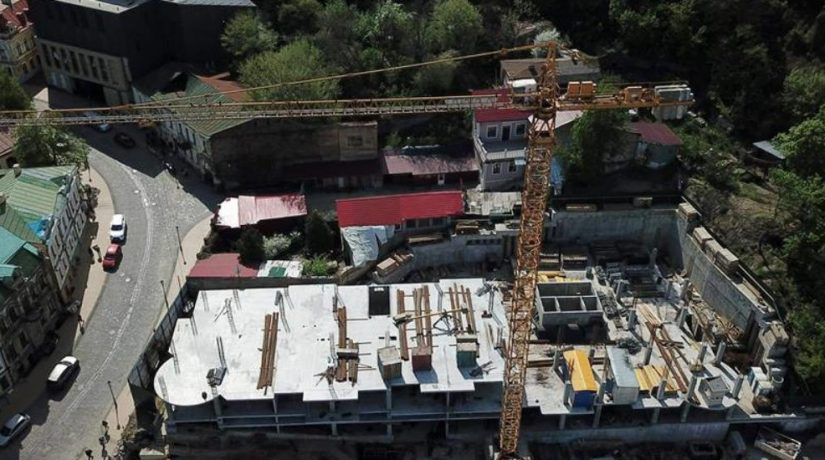 Застройщик скорректировал проект строительства отеля на Андреевском спуске