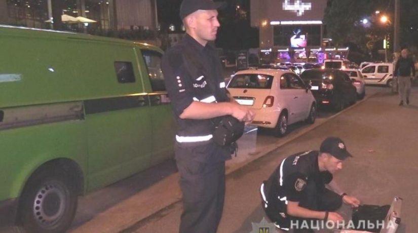 В Киеве разыскивают злоумышленника, забравшего деньги из инкассаторской машины