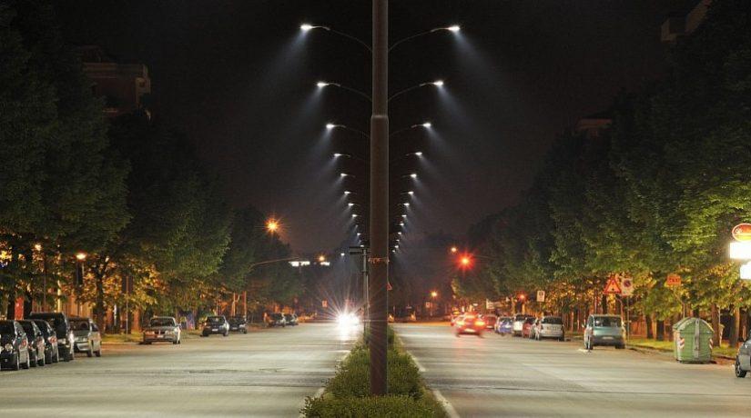 На 20 улицах Соломенского района модернизируют освещение
