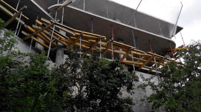 Суд обязал застройщика снести многоэтажку в Голосеевском районе