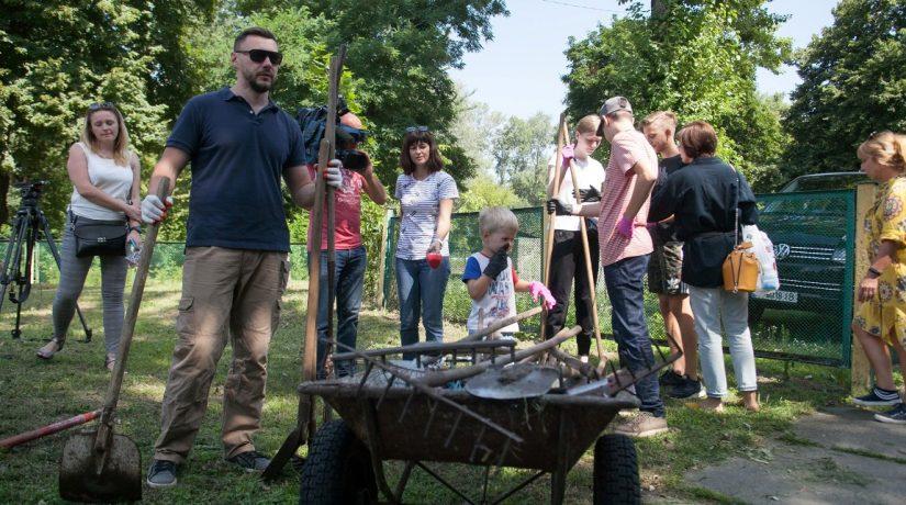 Киевлян приглашают присоединиться к толоке в Гидропарке