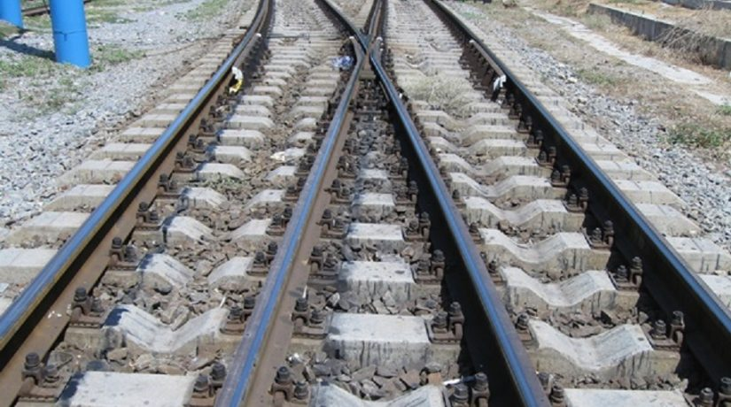 В Бориспольском районе поезд сбил неизвестного мужчину
