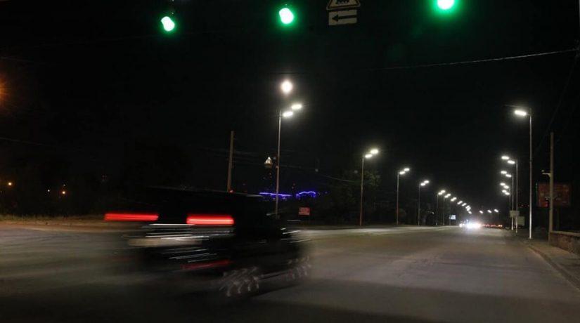Днепровская набережная, освещение