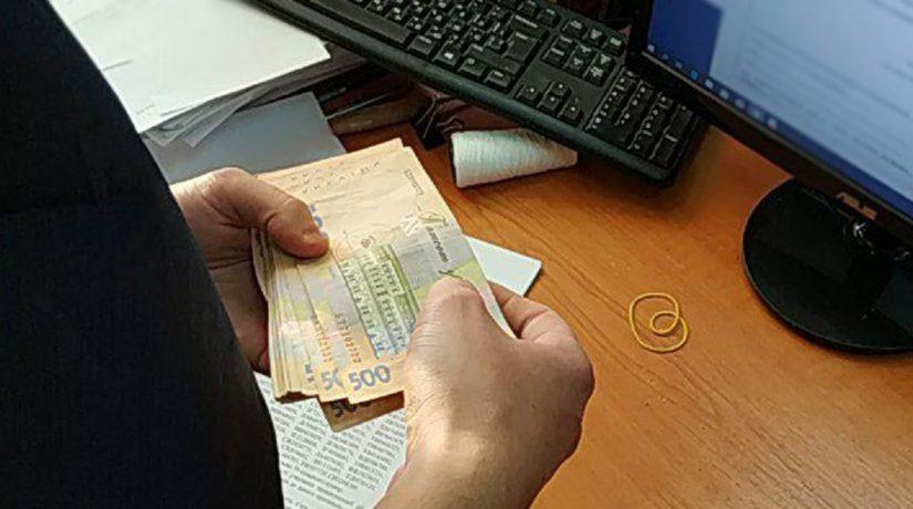 В Киеве на взятке в 35 тысяч гривен задержан следователь полиции