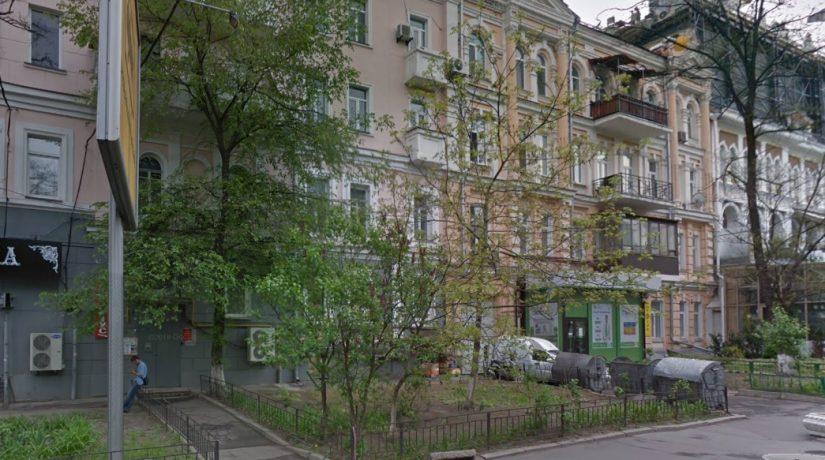 В доме на улице Леонтовича, 1 запретили проводить строительные работы